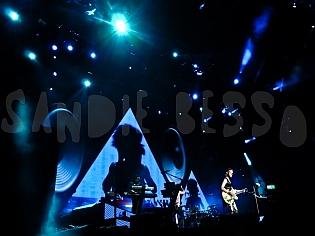 dm nimes12 sandie - Depeche Mode - Live in Nîmes, France, 2013 (Full HD)