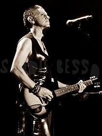 dm nimes13 sandie - Depeche Mode - Live in Nîmes, France, 2013 (Full HD)
