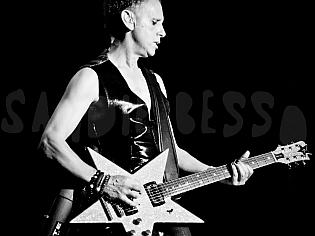 dm nimes19 sandie - Depeche Mode - Live in Nîmes, France, 2013 (Full HD)