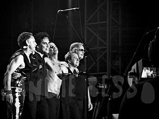 dm nimes20 sandie - Depeche Mode - Live in Nîmes, France, 2013 (Full HD)