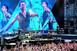 dm nimes2 cyril - Depeche Mode - Live in Nîmes, France, 2013 (Full HD)