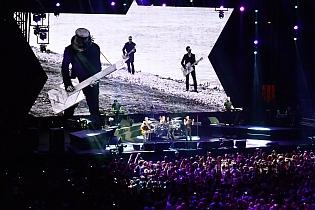 dm nimes3 cyril - Depeche Mode - Live in Nîmes, France, 2013 (Full HD)