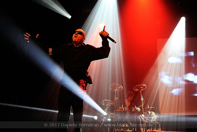 16 front242