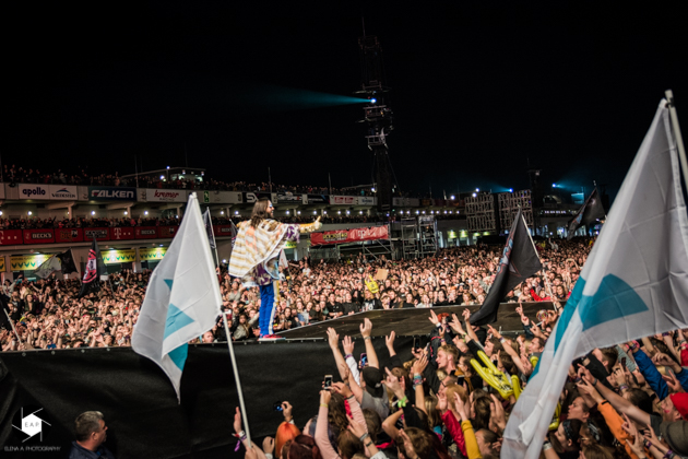 Thirty Seconds to Mars 13