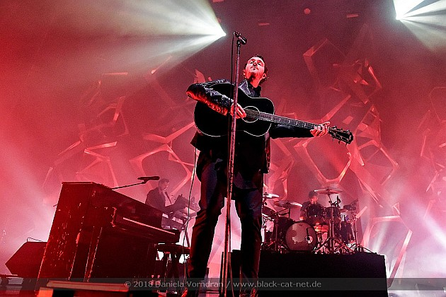 Reflections of Darkness - Music Magazine - Live Review: Editors