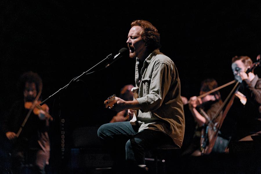 Reflections of Darkness - Music Magazine - Live Review: Eddie Vedder